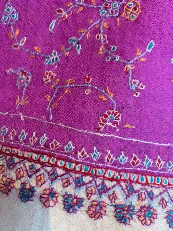Cashmere hand embroderi scarves